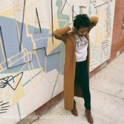 ensemble deets:   Duster - Loft ( similar )  Graphic Sweatshirt -H&M (last season)  Jeans - Levis ( website )  Shoes - Nine West ( similar )
