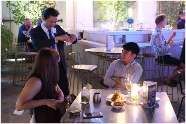 Singapore Restaurant Magician