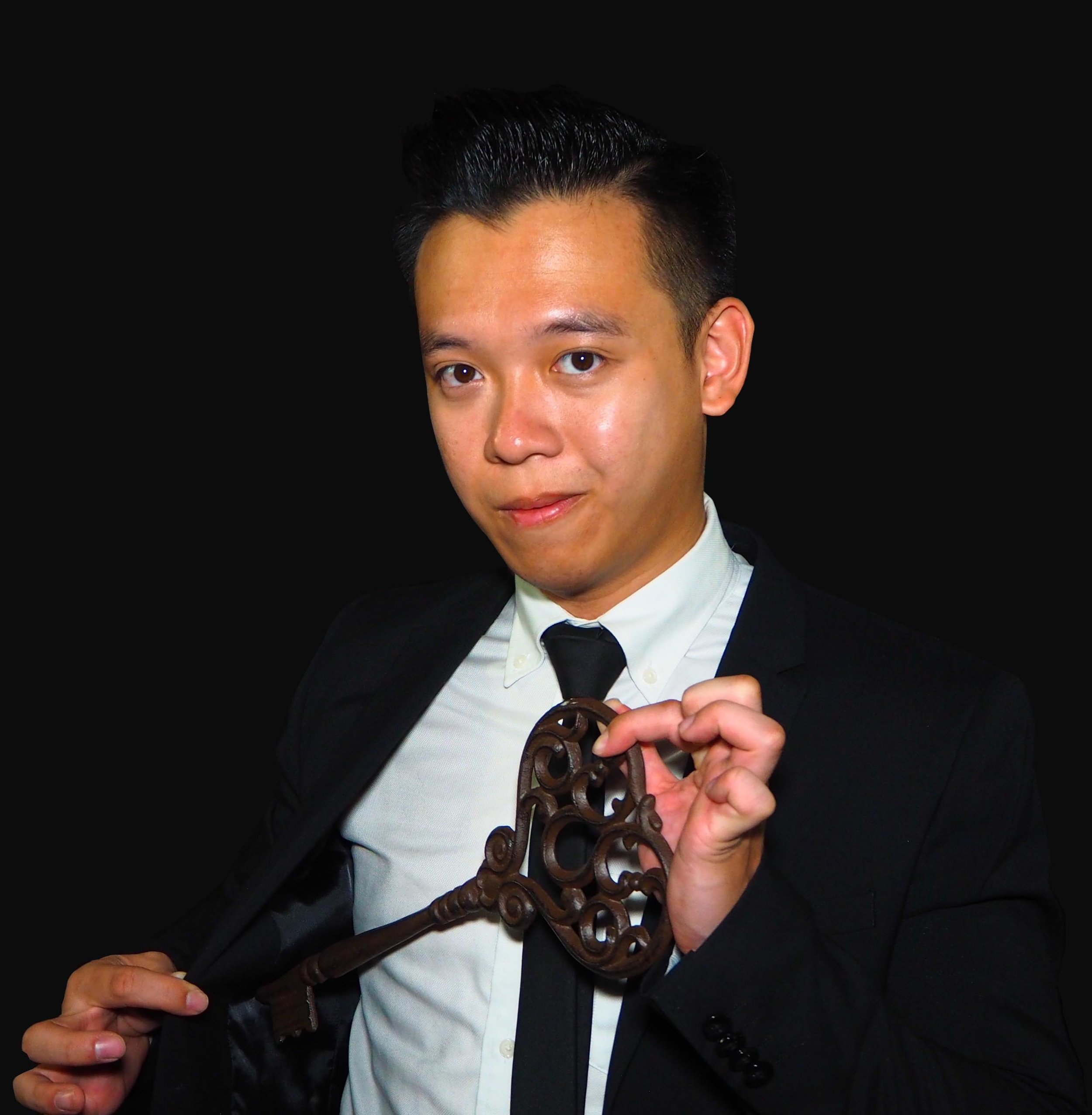 Tan Yu Ji - Magician | Half of The Strangers