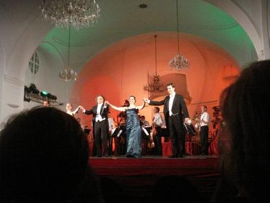 concert-at-schonbrunn-palace-photo_1004180-fit468x296.jpg