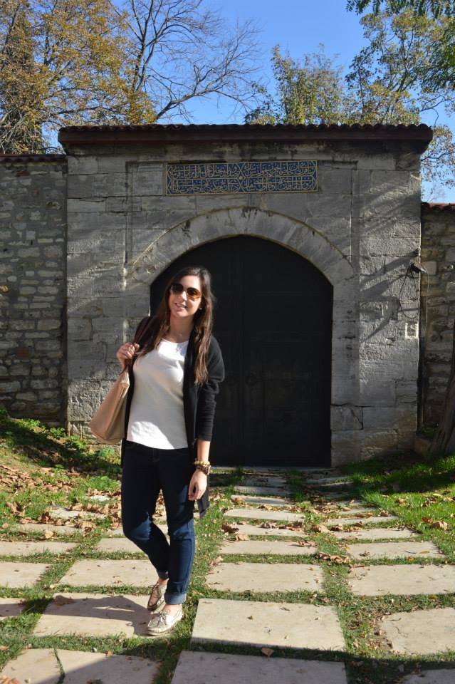 It started to get chilly in Istanbul at the beginning of November...I could've used another layer or even a coat! This was my go-to base outfit for fall, though - skinny jeans, a nice top, sweater/light jacket, and durable shoes.