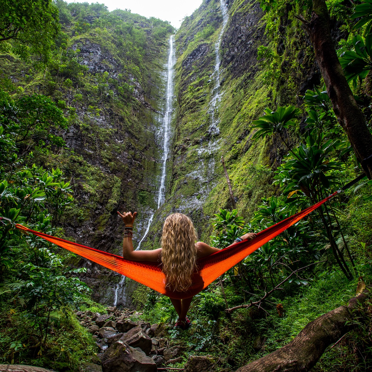 The best inspirational Quotes About Travel and Life! Get motivated to travel, side hustle, digital nomad, or simply book that flight.