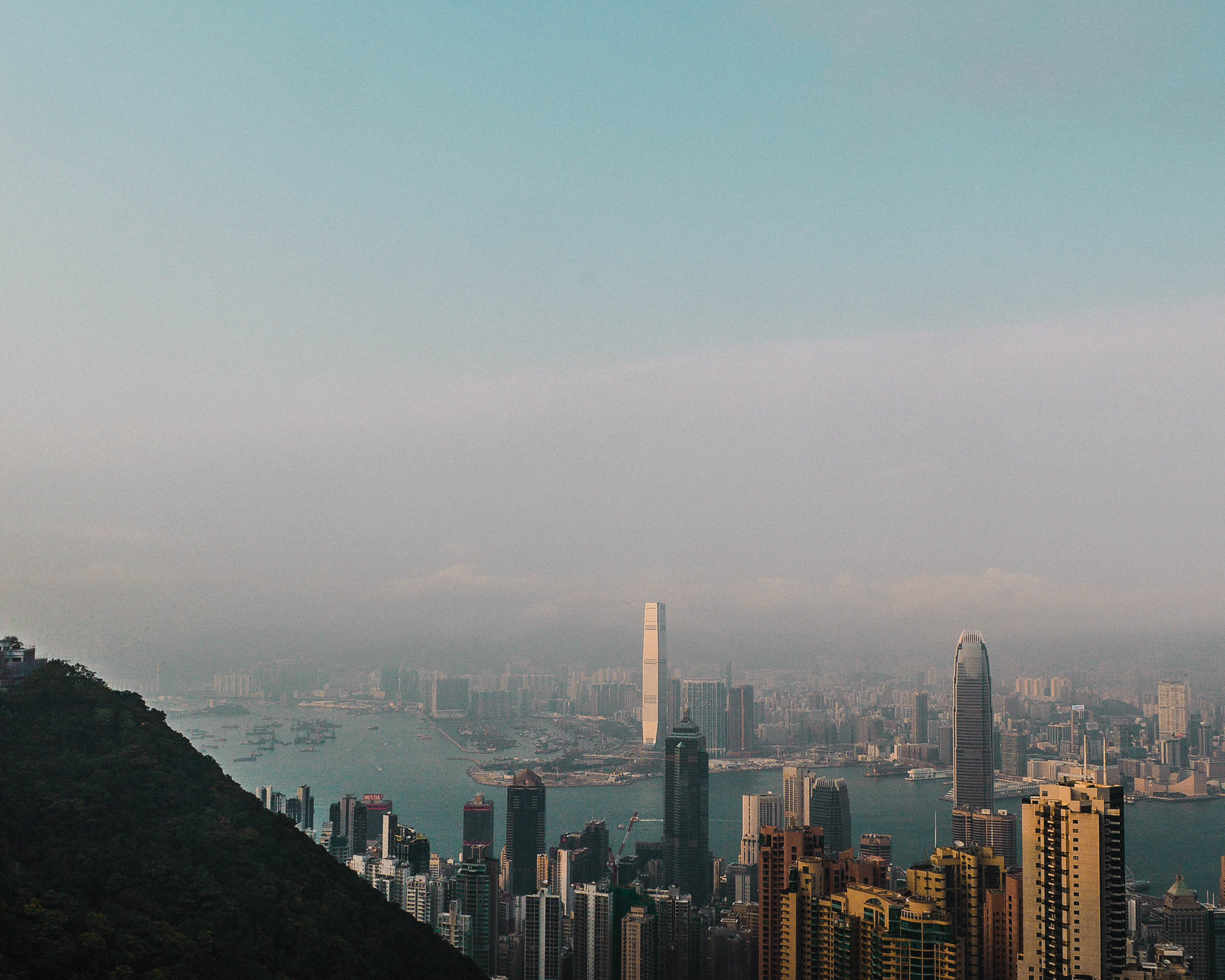 Hong Kong Skyline Travel | 2017 Travel Year in Review + Travel and Blog Goals for 2018 | goseekexplore.com