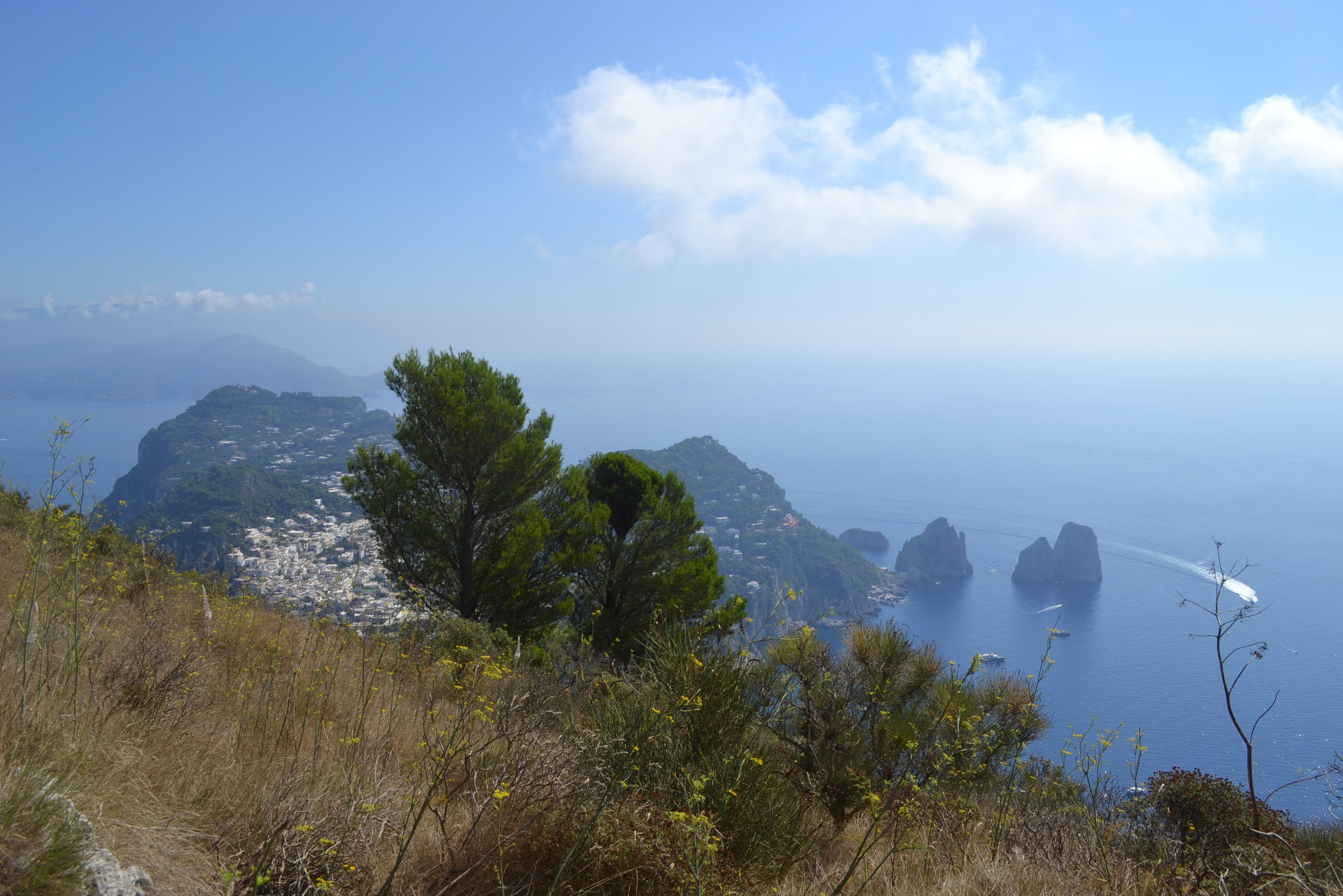 How to decide if you should start a blog! PHOTO: Capri, Italy