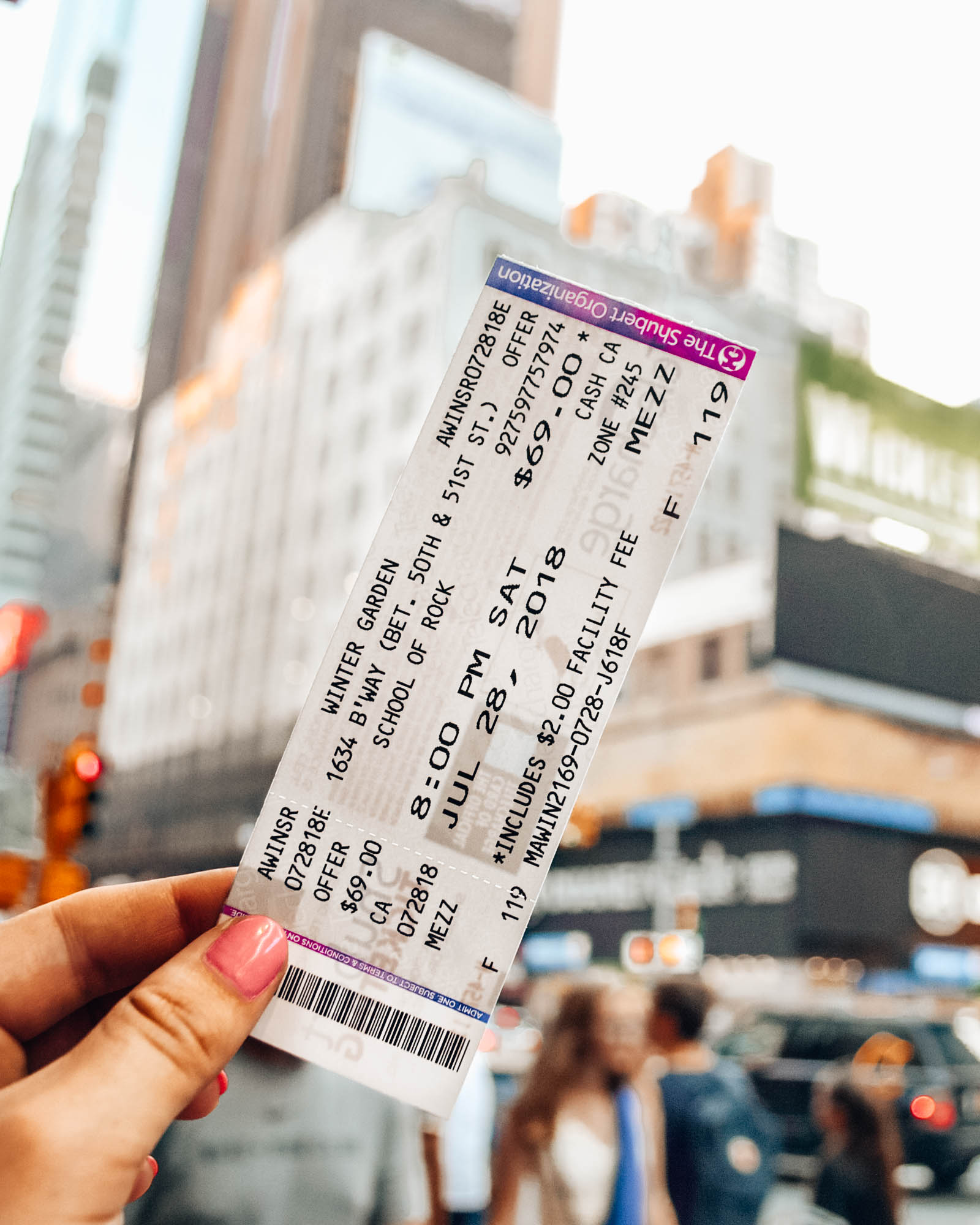 Broadway shows in New York - How to plan a night out in New York City! Planning for your budget, by neighborhood (or borough), how to get the best deals on Broadway tickets, and more! / goseekexplore.com / Ally Archer