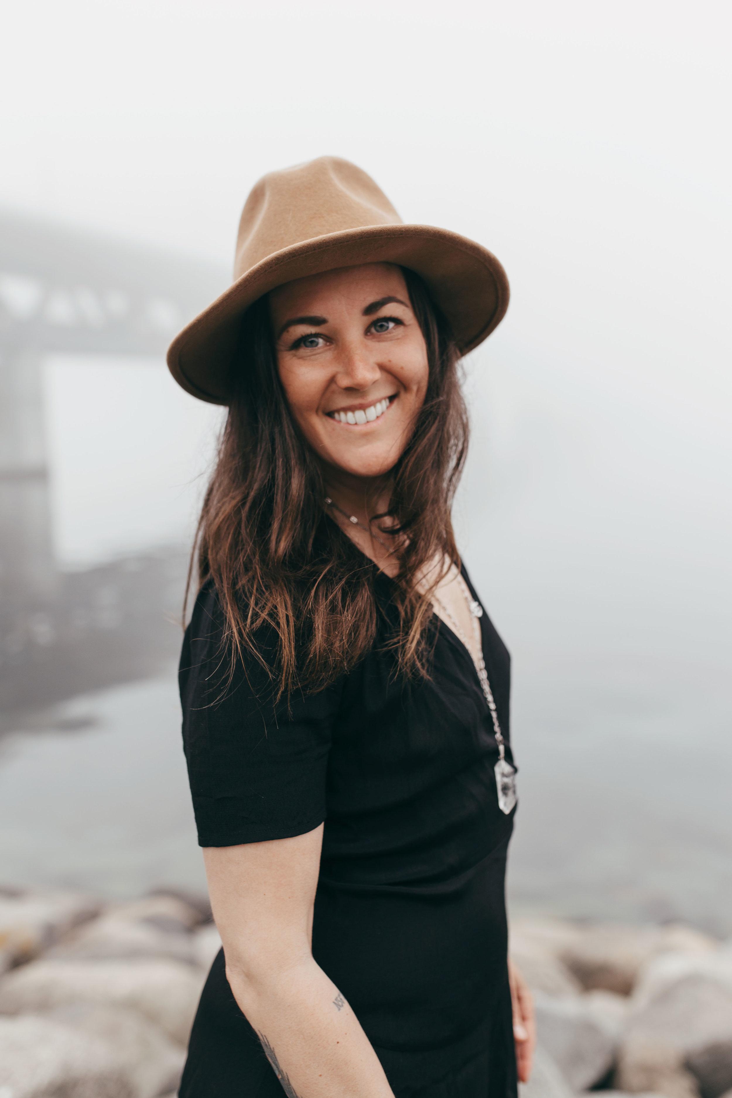 Lina Lindahl - Yoga Teacher & Reiki Healer