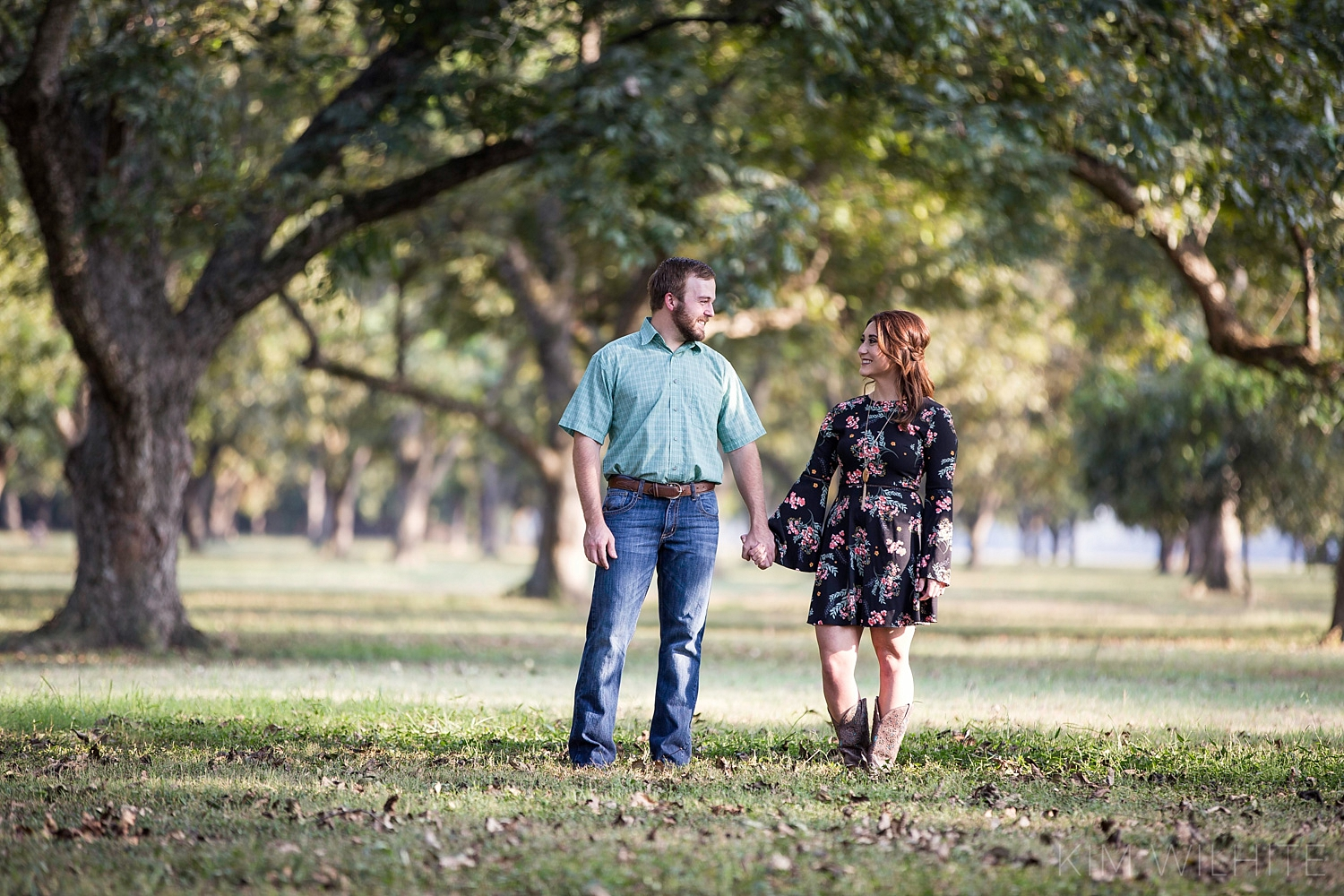 pecan-orchard-engagement-pictures-111.jpg