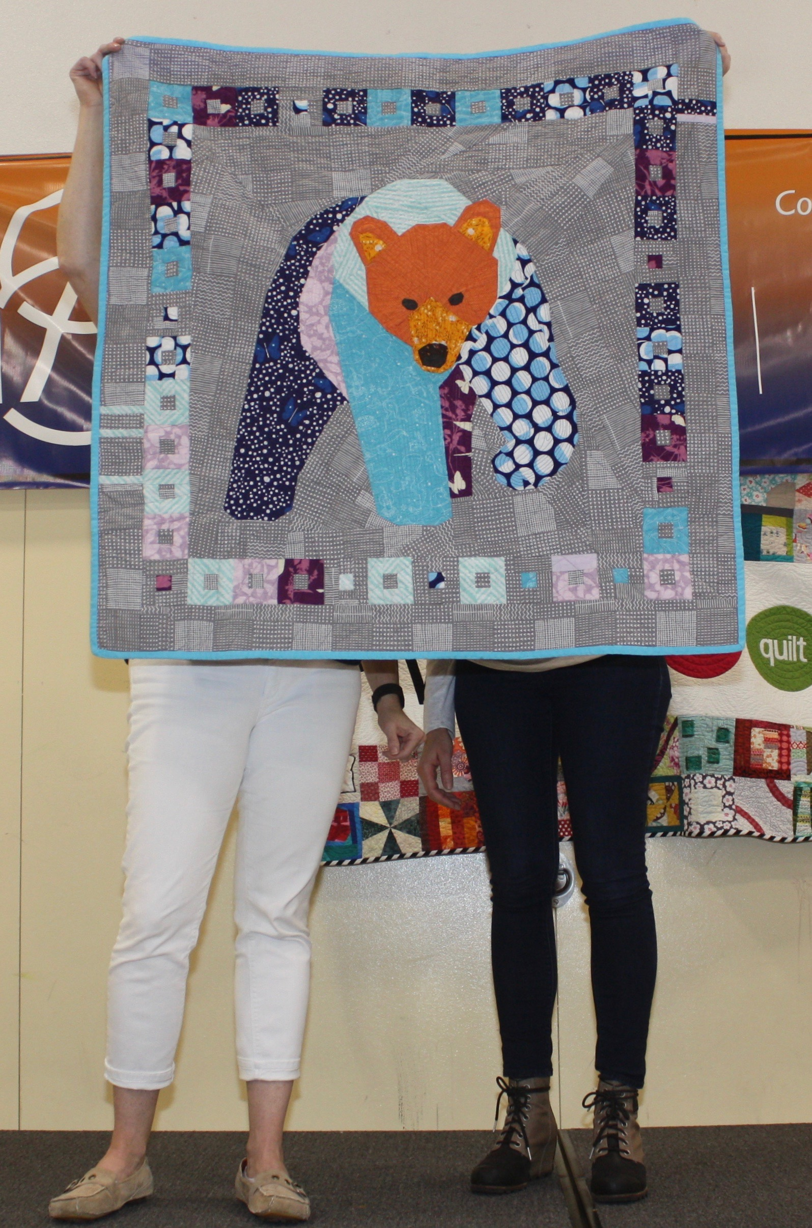 Mims  Big Bear  The center is a paper-piecing pattern by Tartan Kiwi  @mimsical13