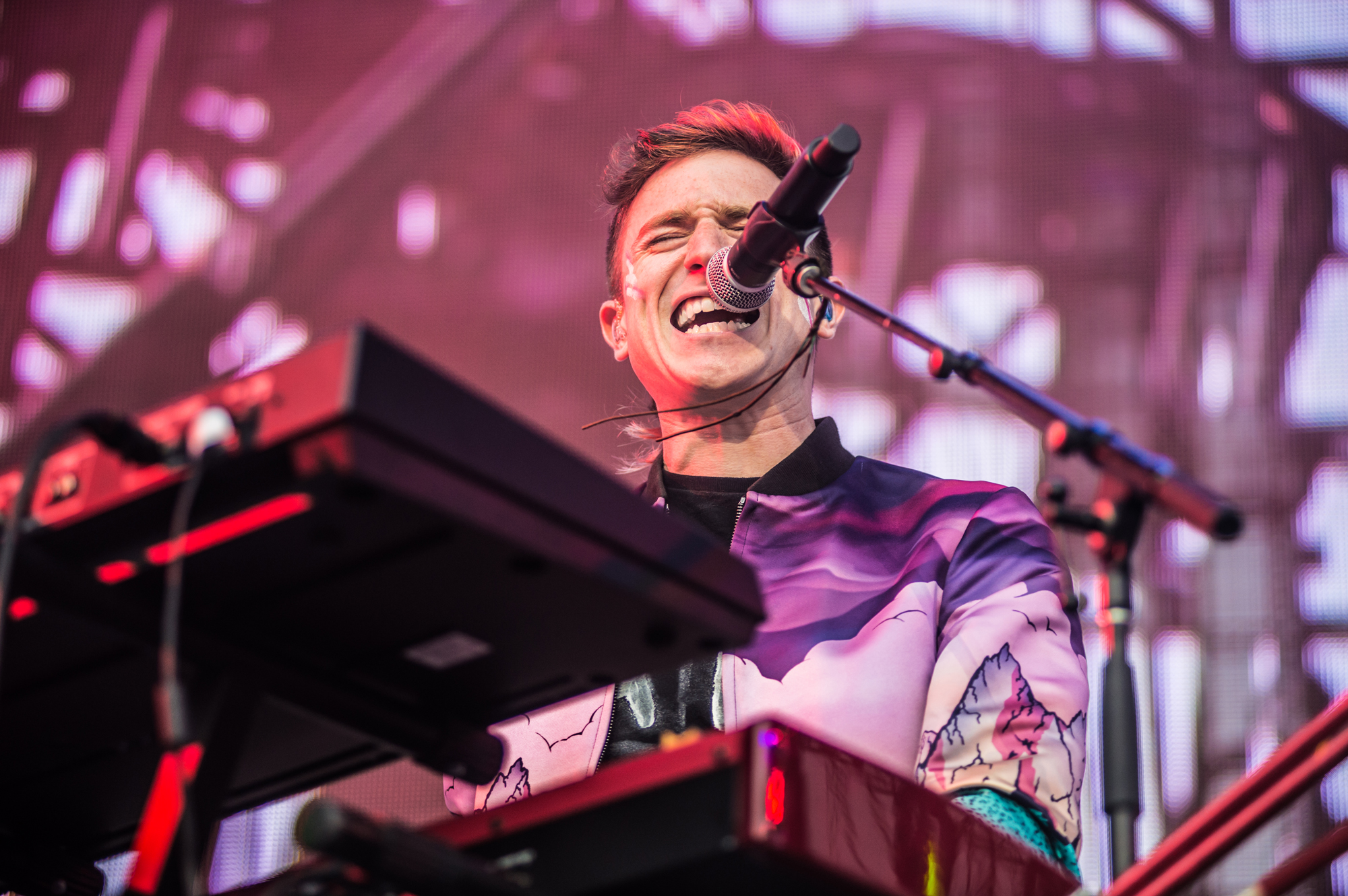 Walk The Moon, KROQ Weenie Roast 2015