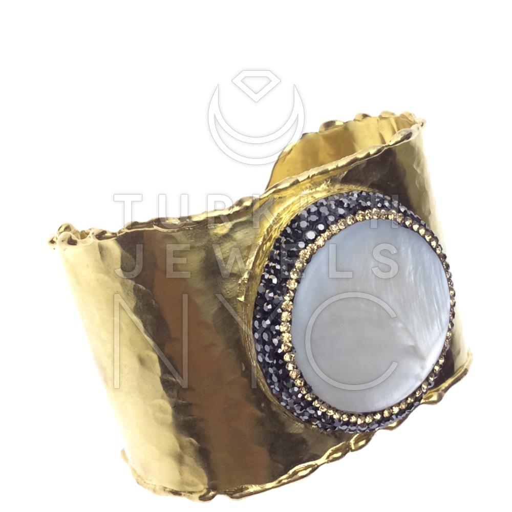 Gold Bracelet with Pearl Stone 3.jpg