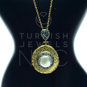Gold+and+Pearl+Necklace+with+Swarovski+2.jpg