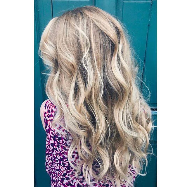 Hello gorgeous ✨ beautiful blonde balayage by @jessicagerster using @euforainternational #modernsalon #behindthechair #basicsofbalayage #mastersofbalayage #businessofbalayage #atlanta #euforacolor #roswellga #sodasalon
