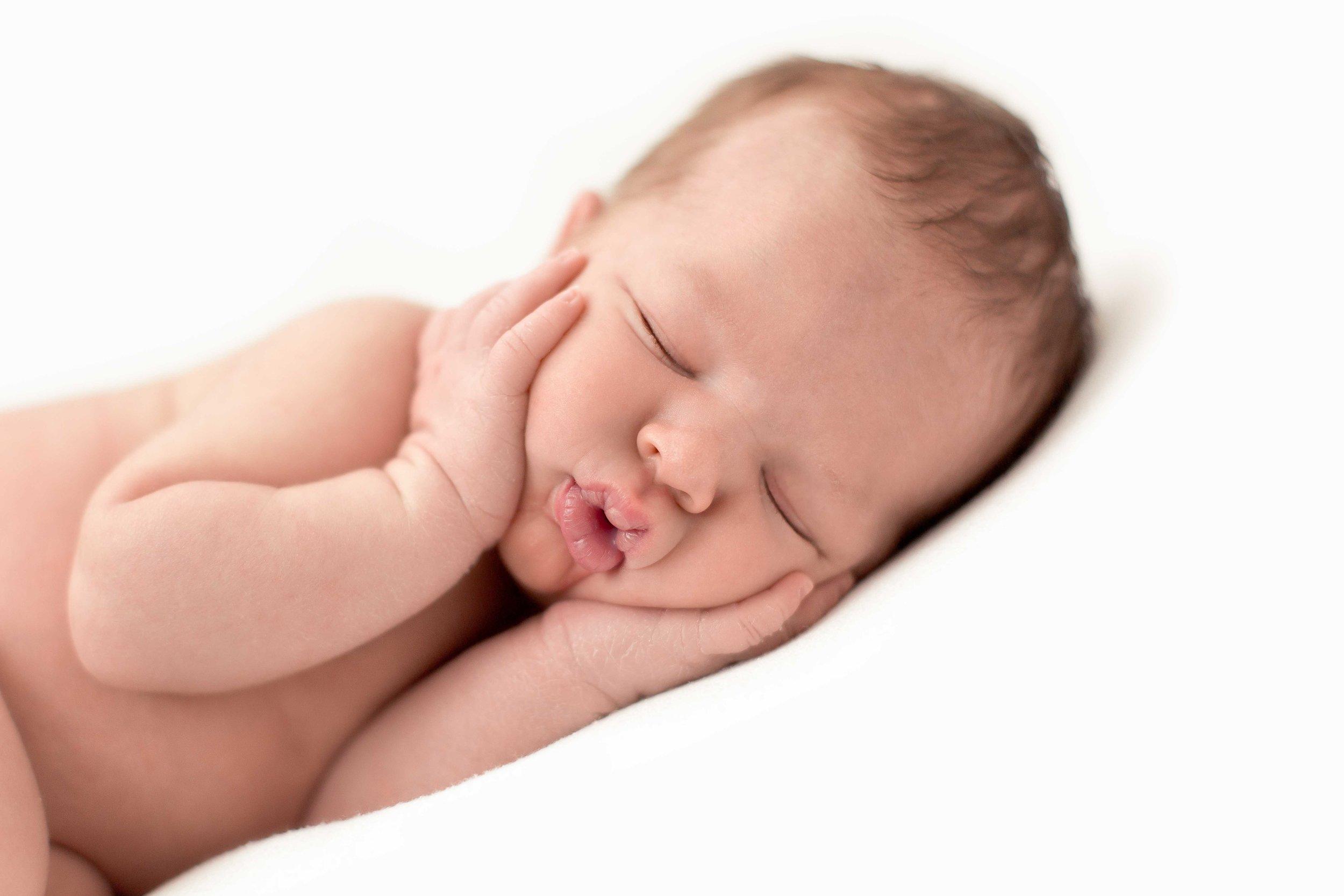 Alder Newborn-2.jpg