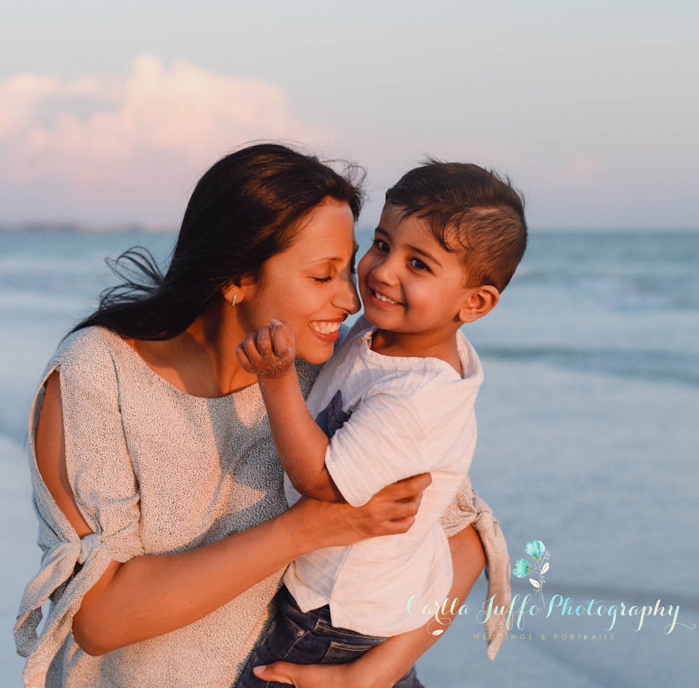 Sarasota family Photographer serving Siesta Key, Lido key, Holmes Beach, Anna Maria Island and Casey Key.