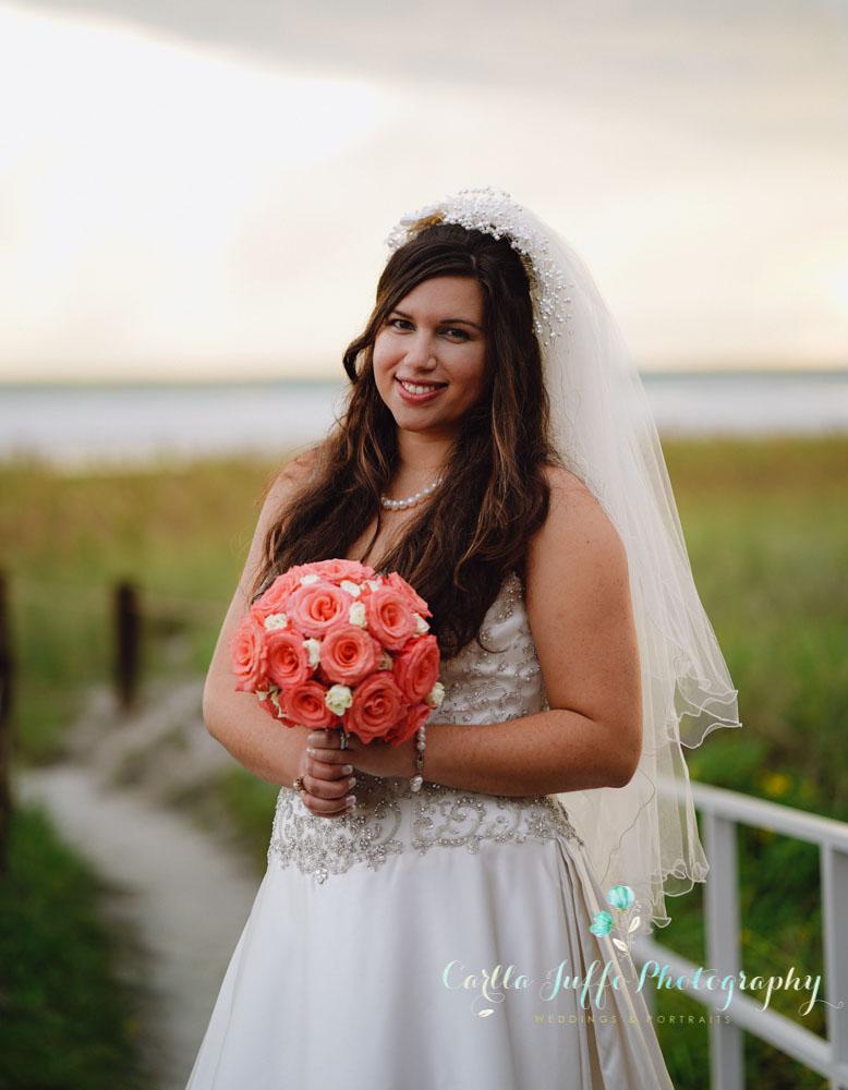 BEAUTIFUL BRIDE PORTRAITS ON SIESTA KEY BEACH - CARLLA JUFFO PHOTOGRAPHY