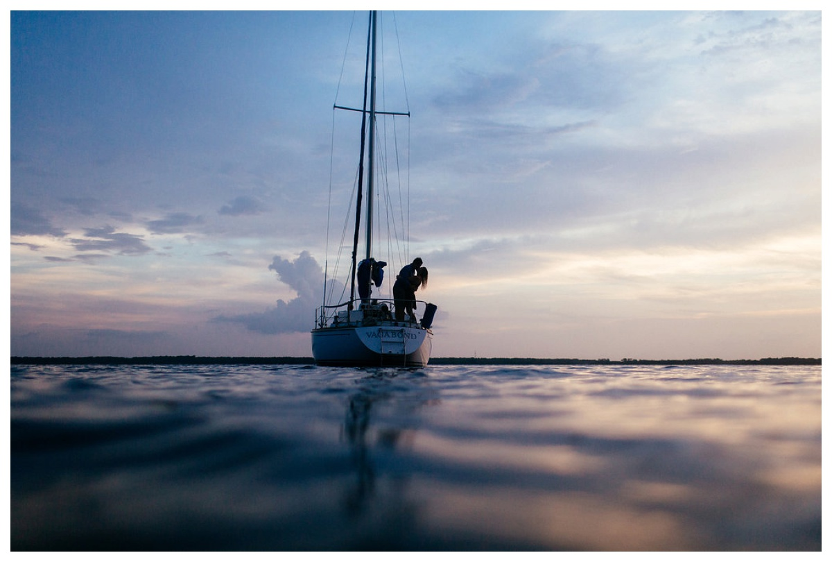 christinakarstphotography_sailboatengagementphotos_ejboomer-218.jpg