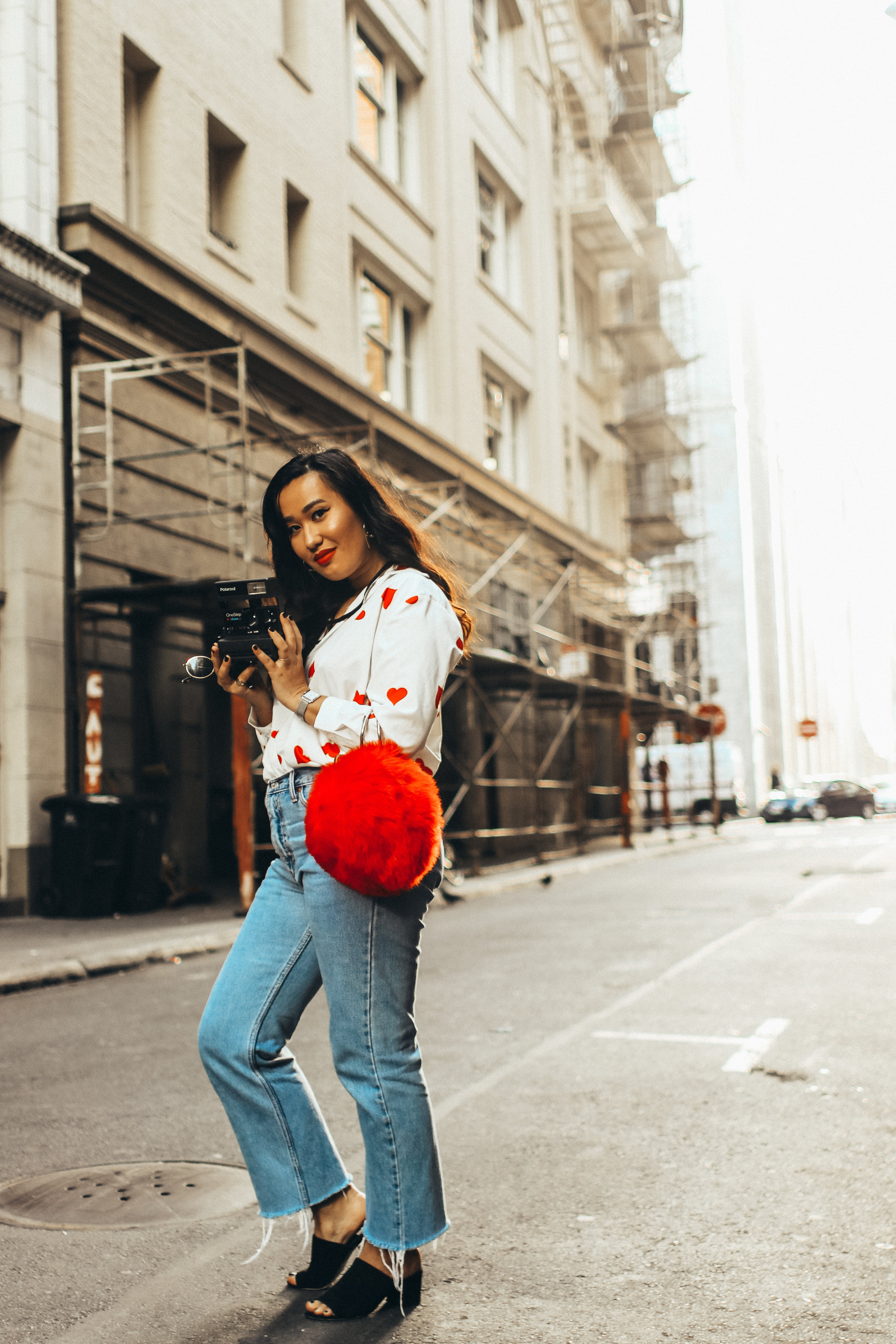urban-outfitters-mom-jeans-blogger