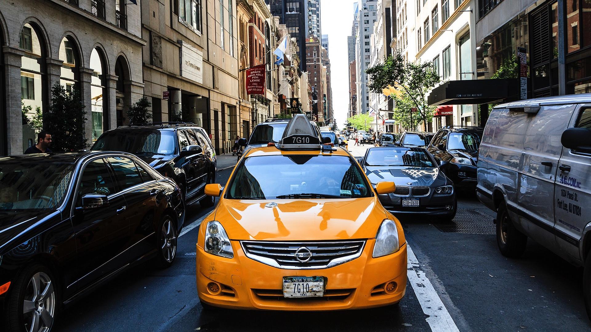 traffic scene in new york city (manhattan)