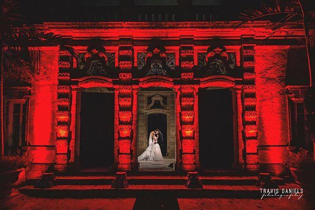 #RedLightSpecial by @travisdanielsphotography #quality is 🔑 #shesaidyes #bride #groom #wedding #weddingday #luxurywedding #baller