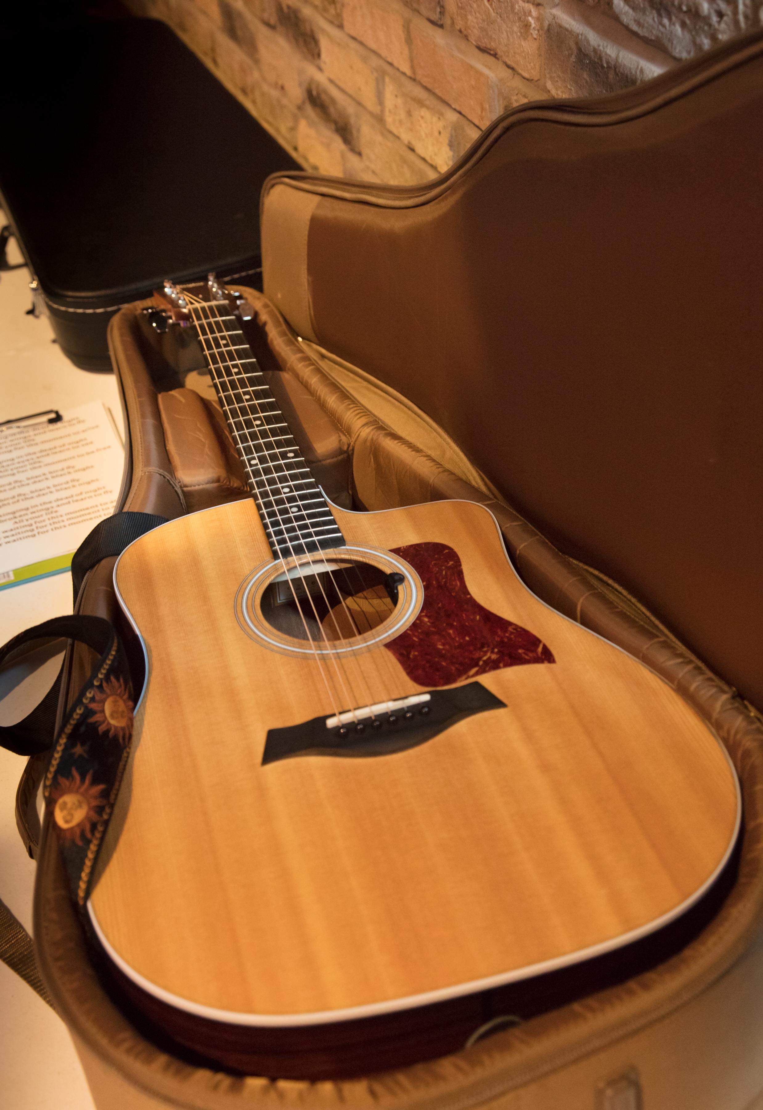 Guitar Lessons Gurnee Guitar Academy Acoustic Electric Guitar Repair