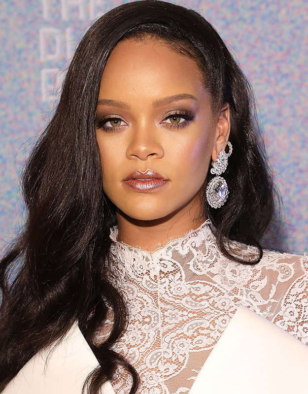 Rihanna-diamond-look.jpg