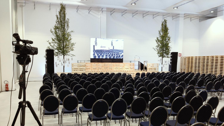 Allestimento sala conferenze