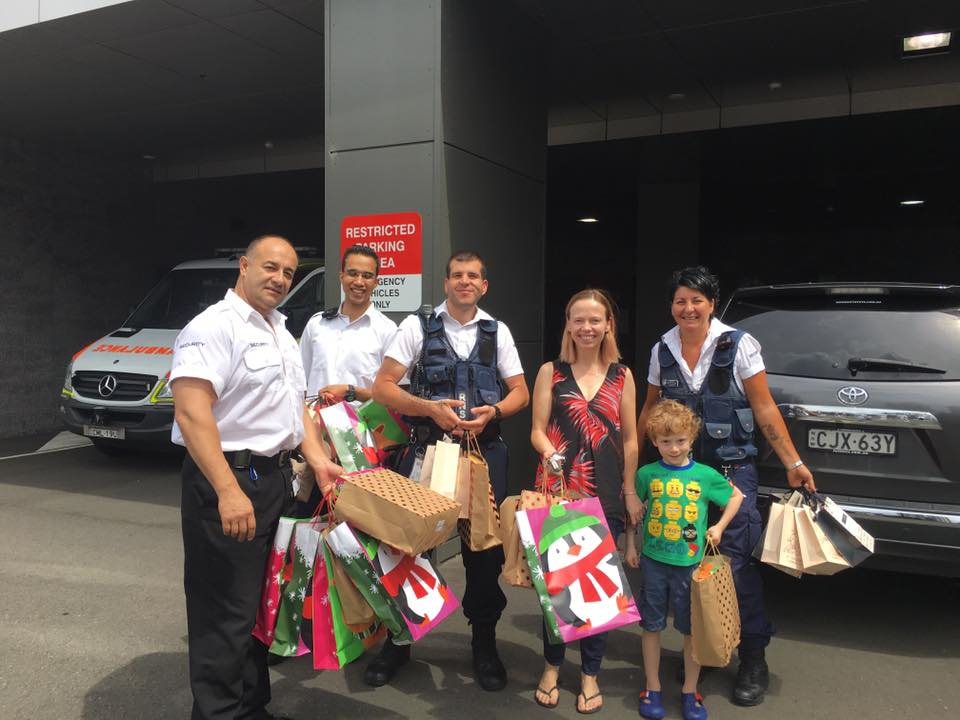 We needed some help to deliver the Children's and Mum's Christmas bags this morning. Luckily security were available at RNSH to help out.