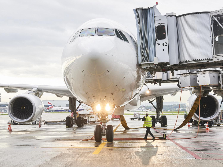 Flughafen_zurich_unter_Flugzeug_88.jpg