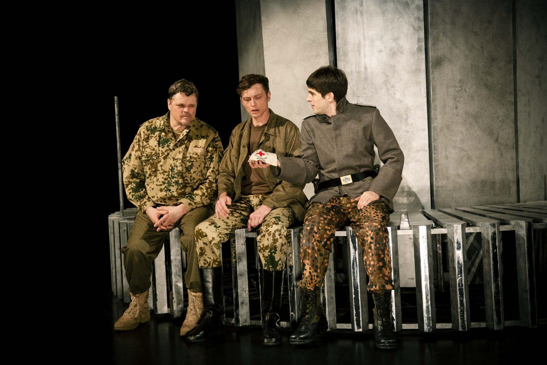 Geschichte vom Soldaten (klein Web) _Liebig (28).jpg