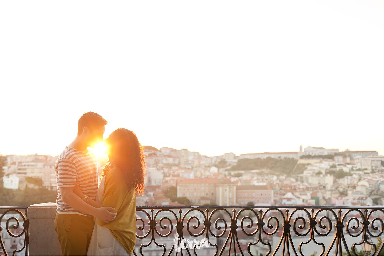 sessao-fotografica-casal-bairro-alto-lisboa-terra-fotografia-0015.jpg