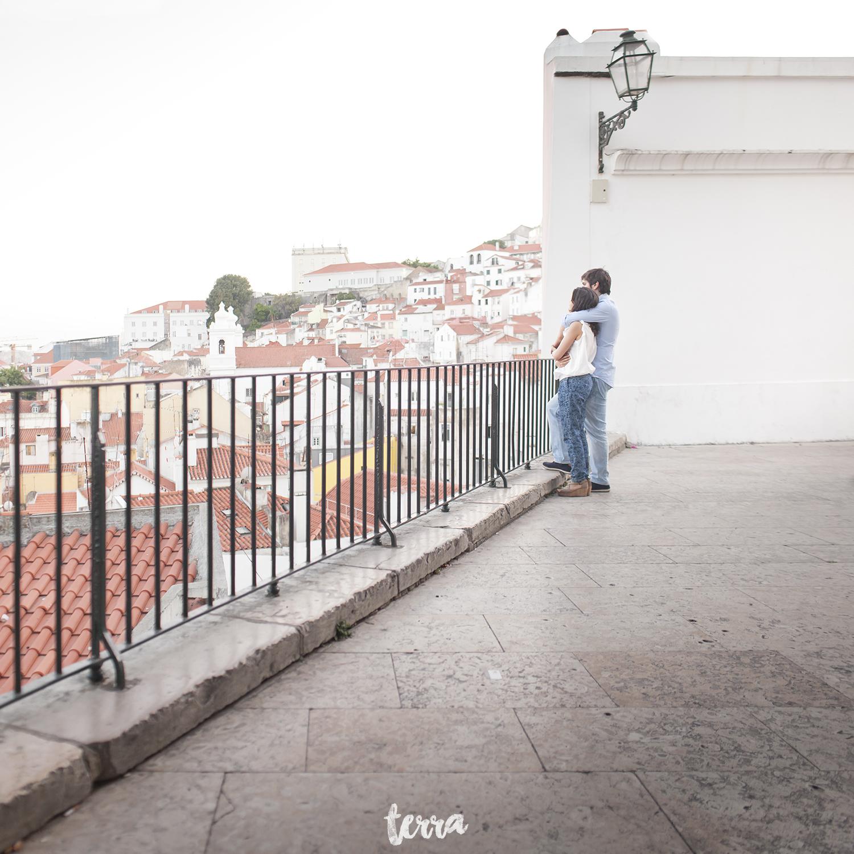 engagement-session-alfama-lisboa-terra-fotografia-048.jpg