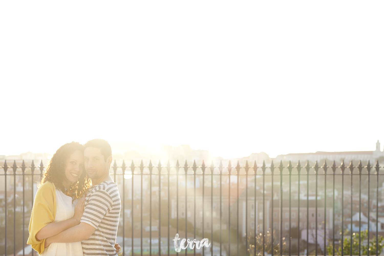 sessao-fotografica-casal-bairro-alto-lisboa-terra-fotografia-0018.jpg