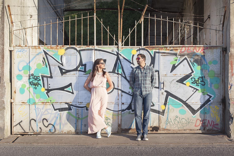 sessao-fotografica-casal-cais-ginjal-terra-fotografia-09.jpg
