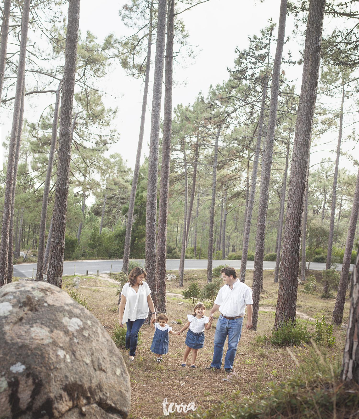 sessao-fotografica-familia-serra-sintra-portugal-terra-fotografia-01.jpg