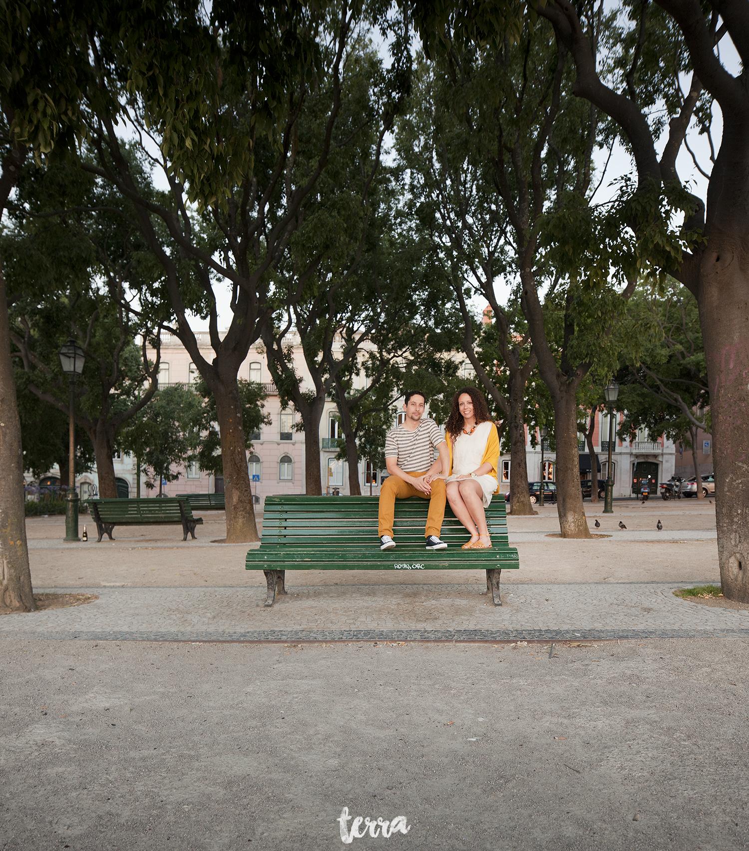 sessao-fotografica-casal-bairro-alto-lisboa-terra-fotografia-0003.jpg