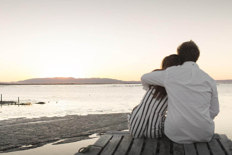 sessao-fotografica-casal-cais-palafitico-carrasqueira-comporta-terra-fotografia-24.jpg