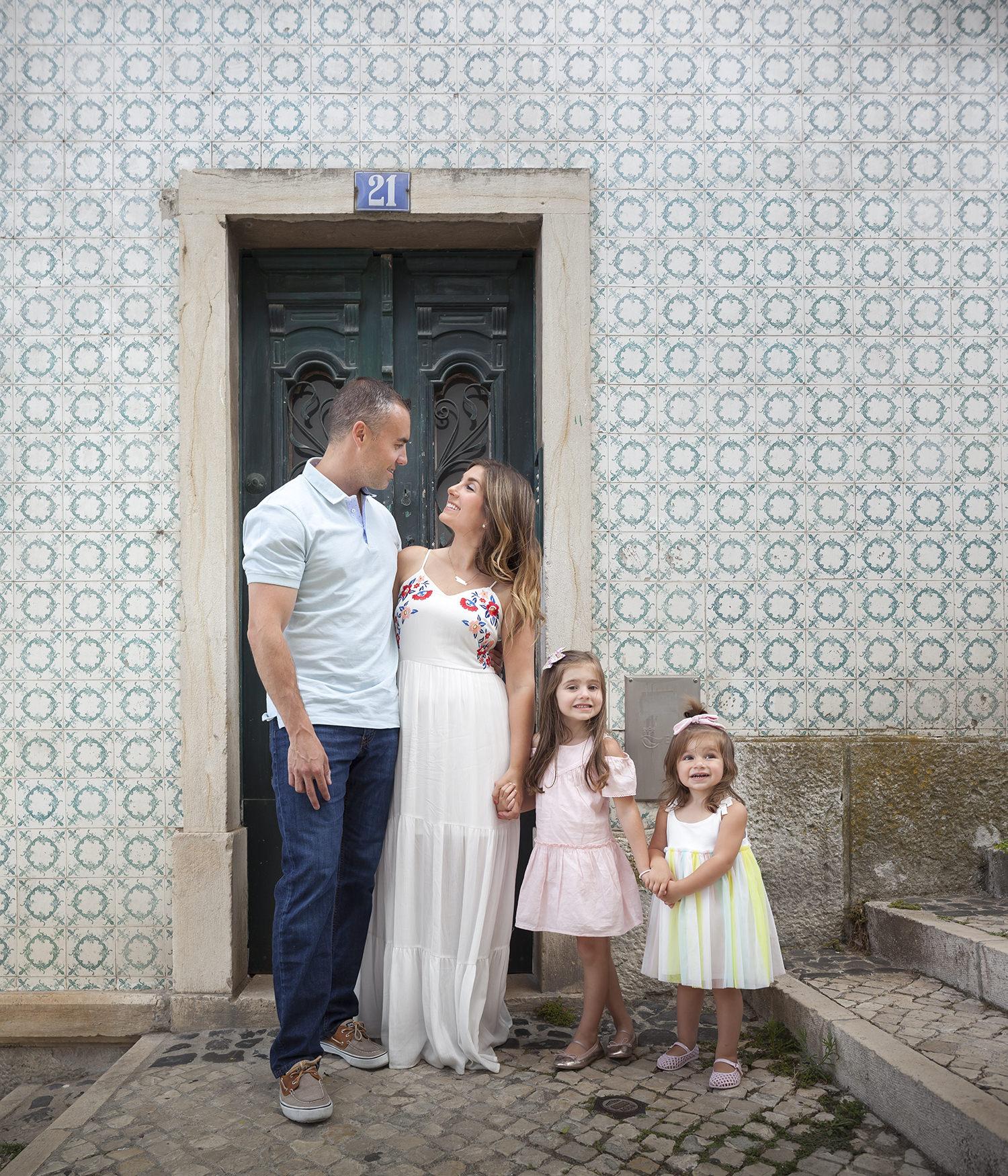 alfama-lisbon-family-photogapher-terra-fotografia-0004.jpg