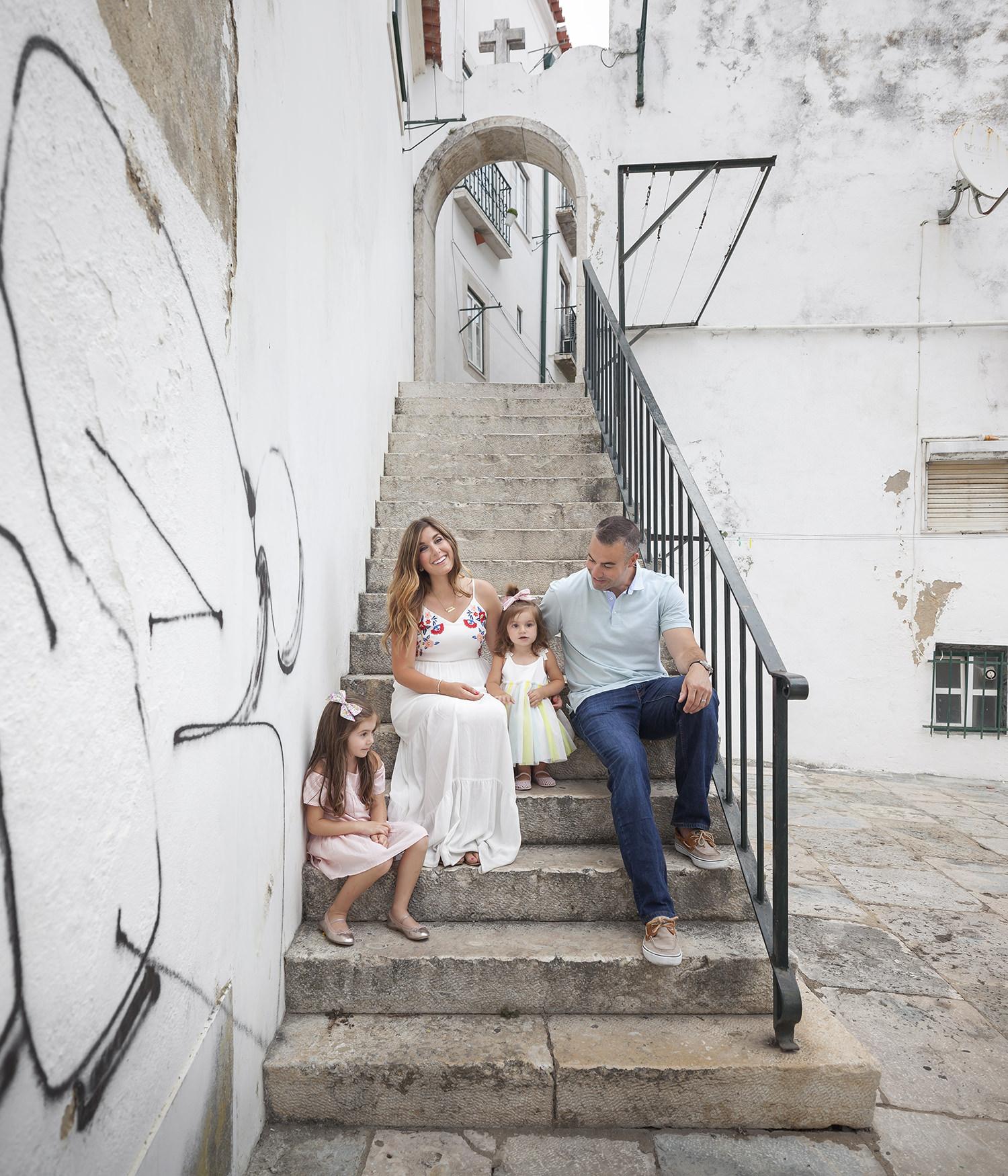 alfama-lisbon-family-photogapher-terra-fotografia-0028.jpg