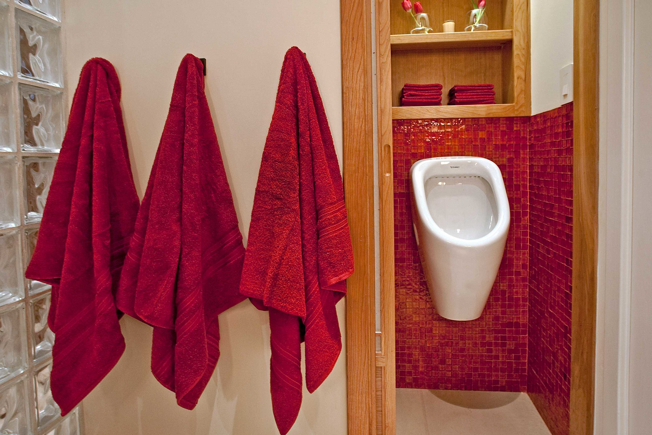 red_tile_bath3.jpg