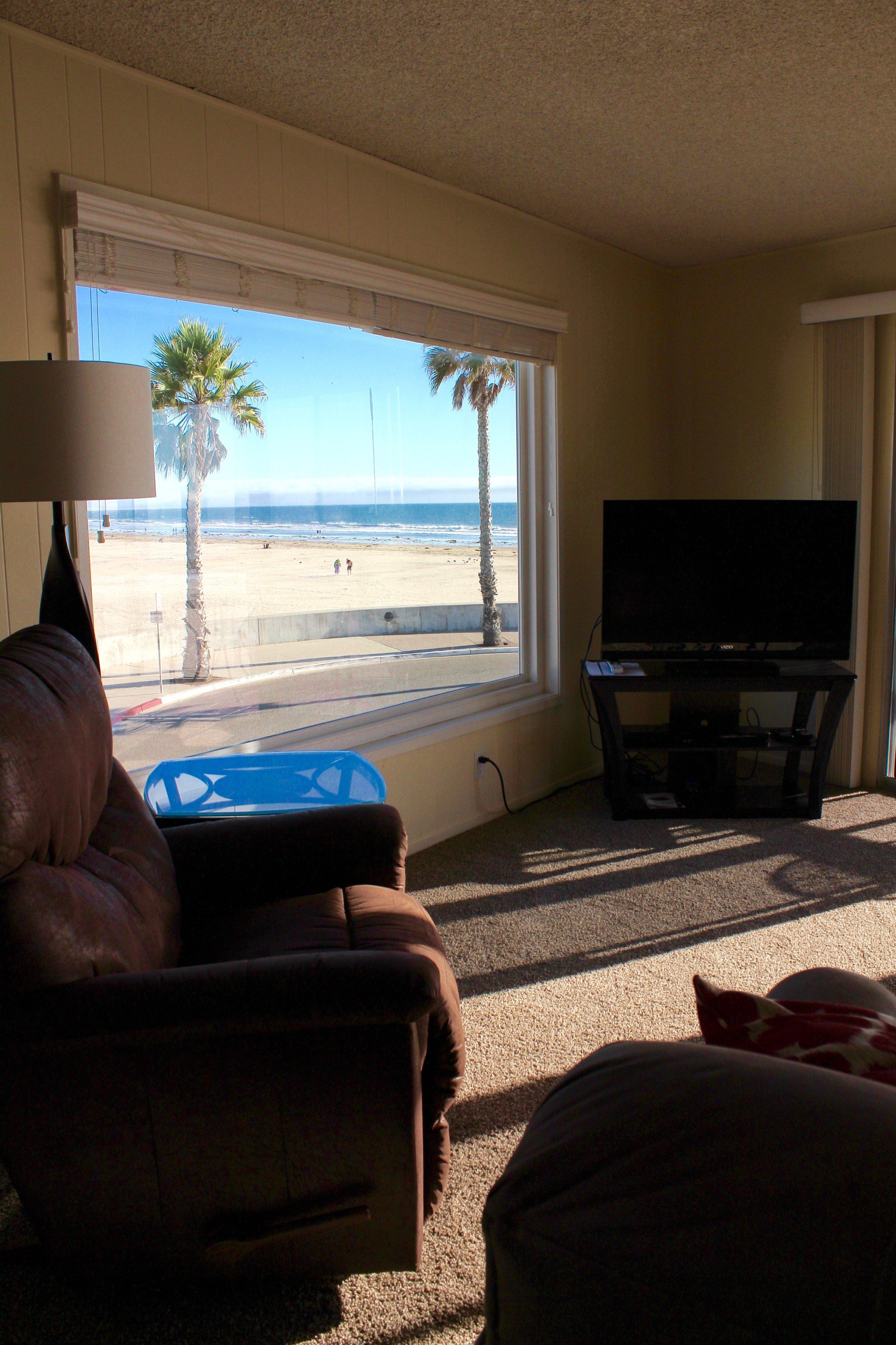 Unit 5 More Living Room Views.JPG