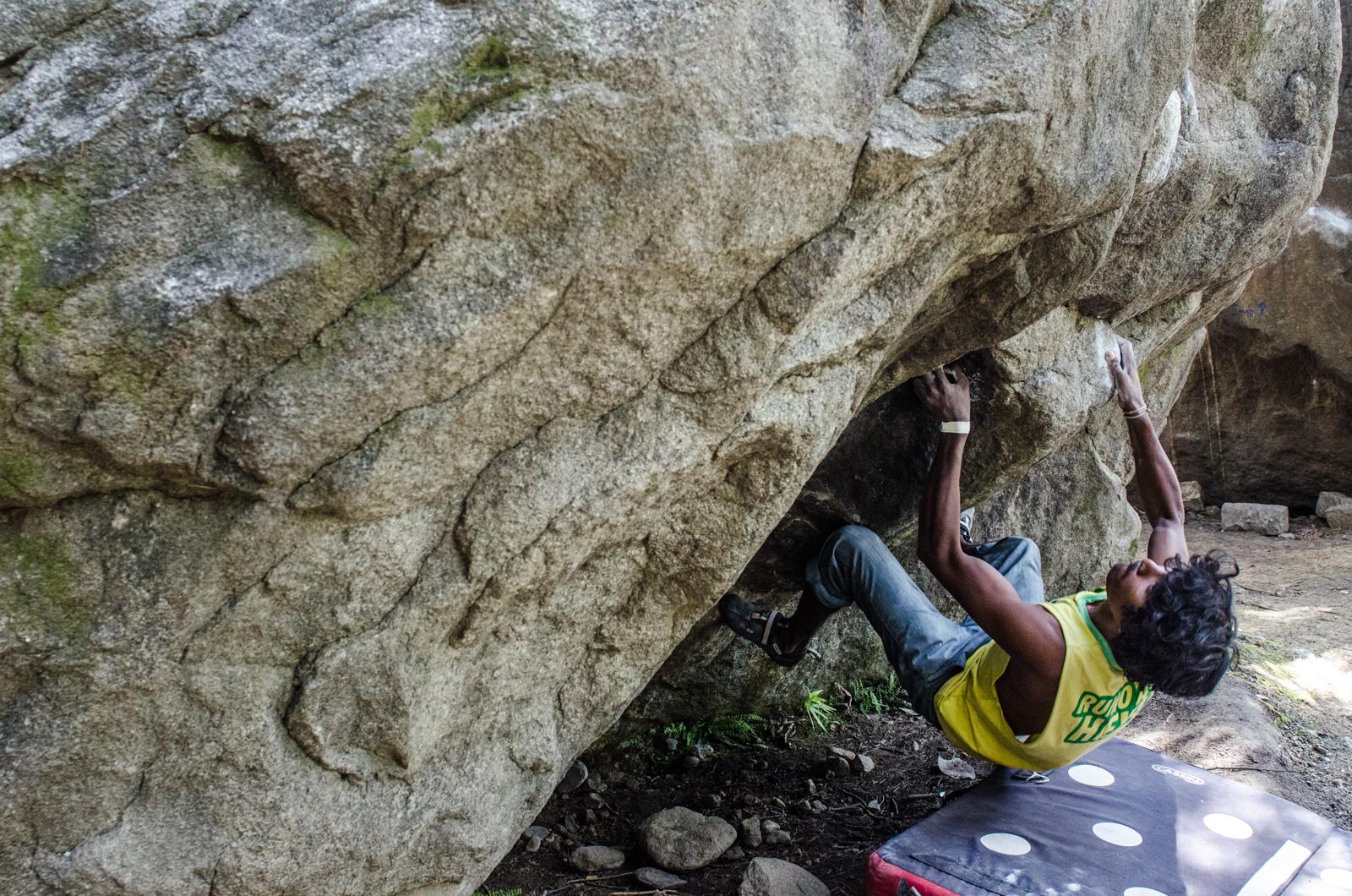 Manali-HimachalPradesh-Bouldering-RockClimbing-AmyRolloPhoto-2874.jpg