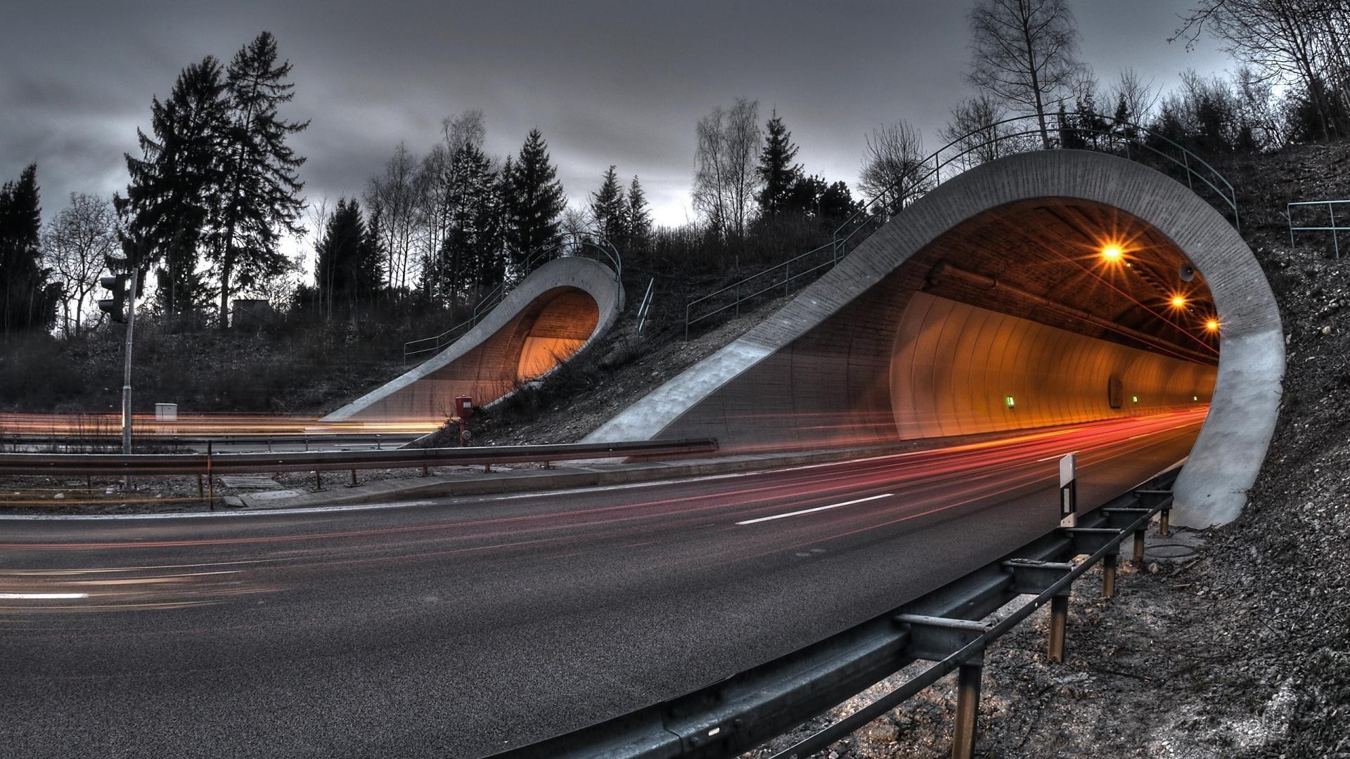 tunnel-wide.jpg