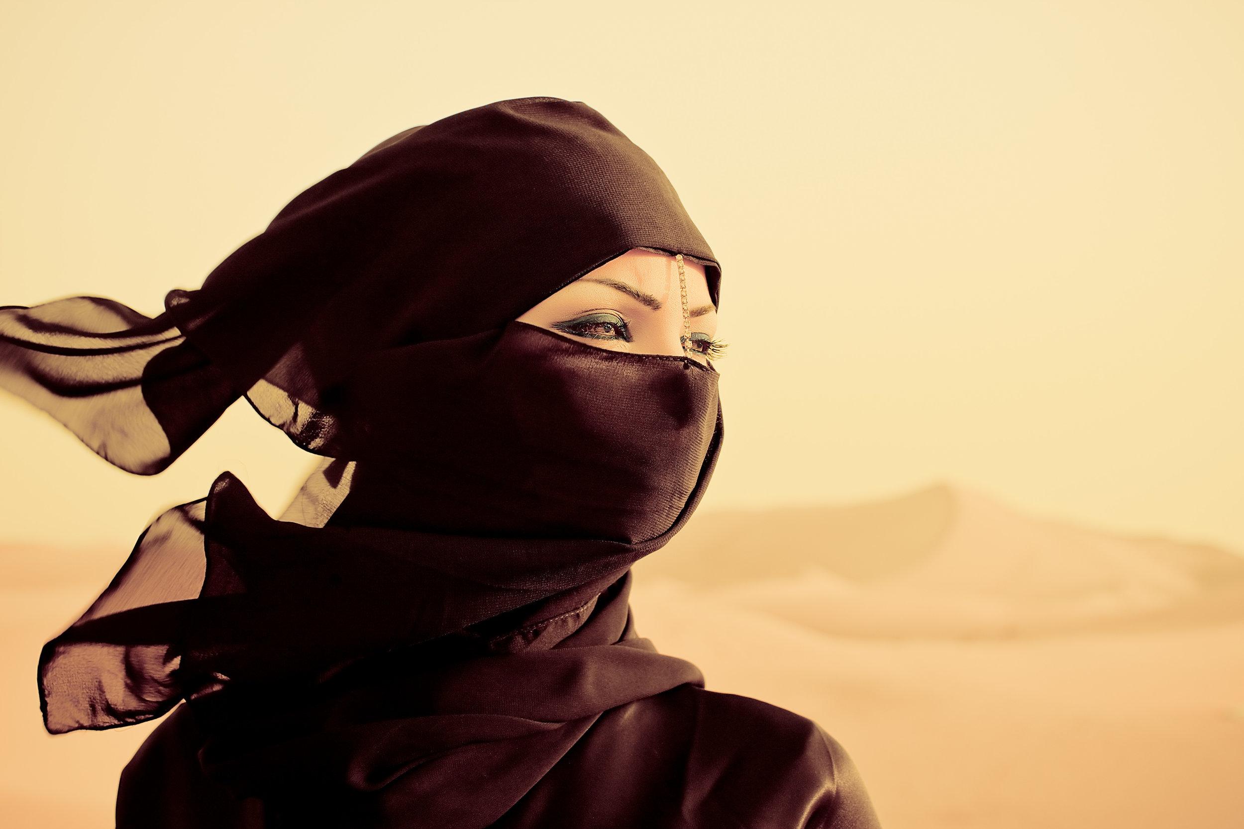 DesertWoman1.jpg