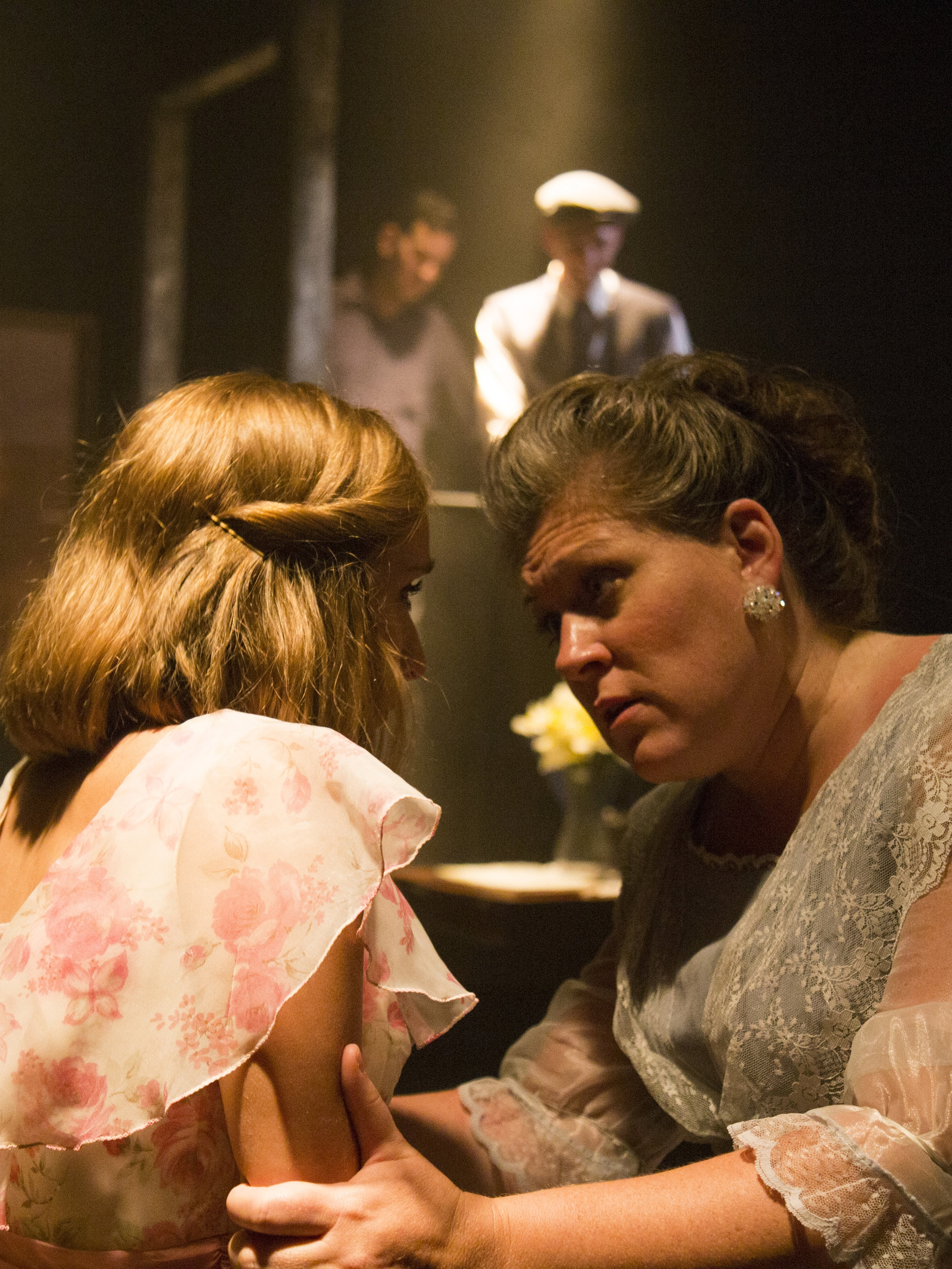 2016 - NO EXITTHE GLASS MENAGERIEAMBRY