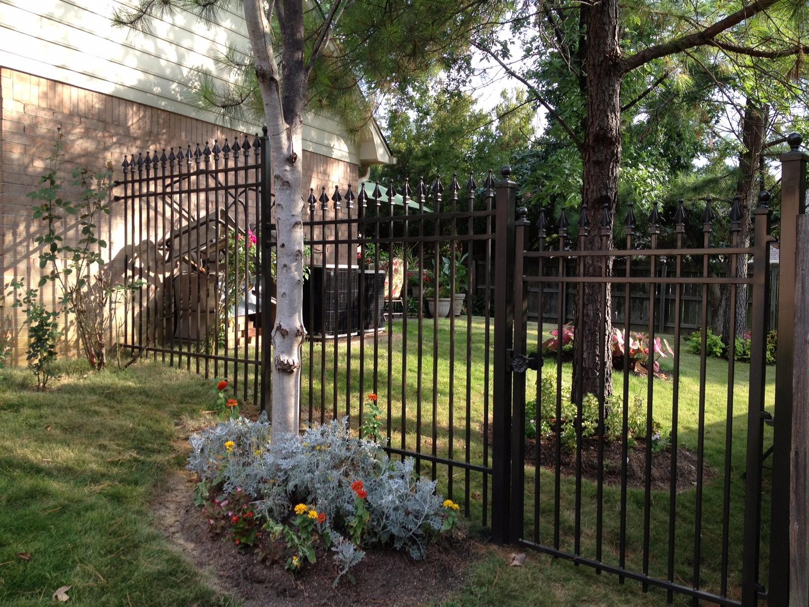 Stepped Fence.JPG