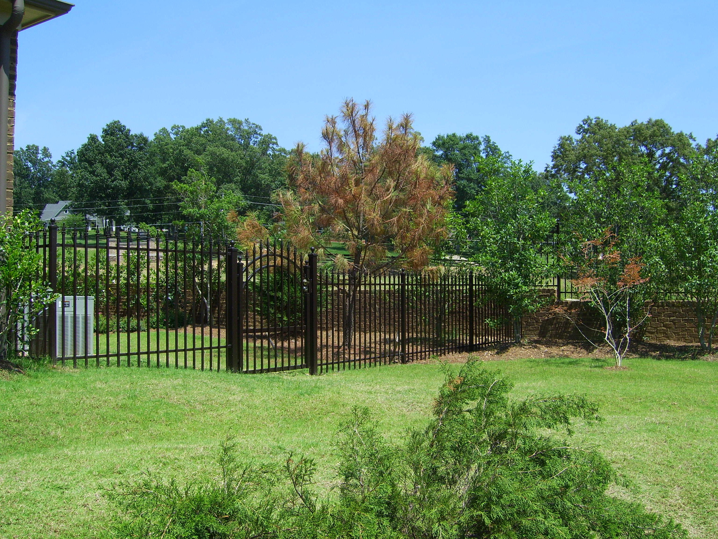 6' high 2 runner fence.JPG