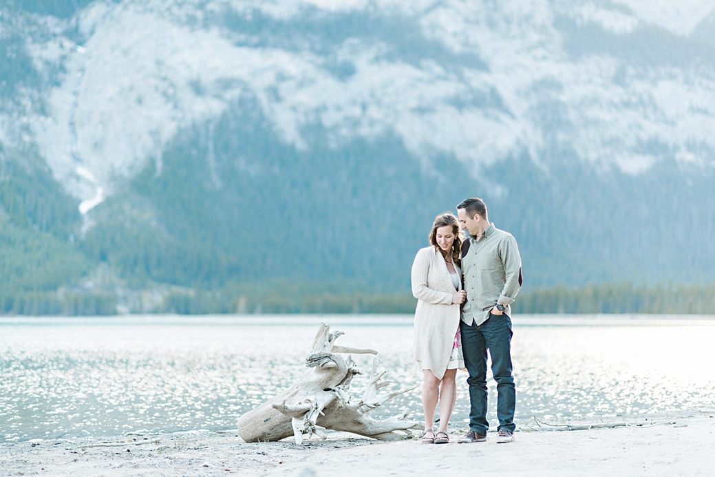 Rocky-Montain-Engagement-Shoot-Canmore-Alberta_20.jpg