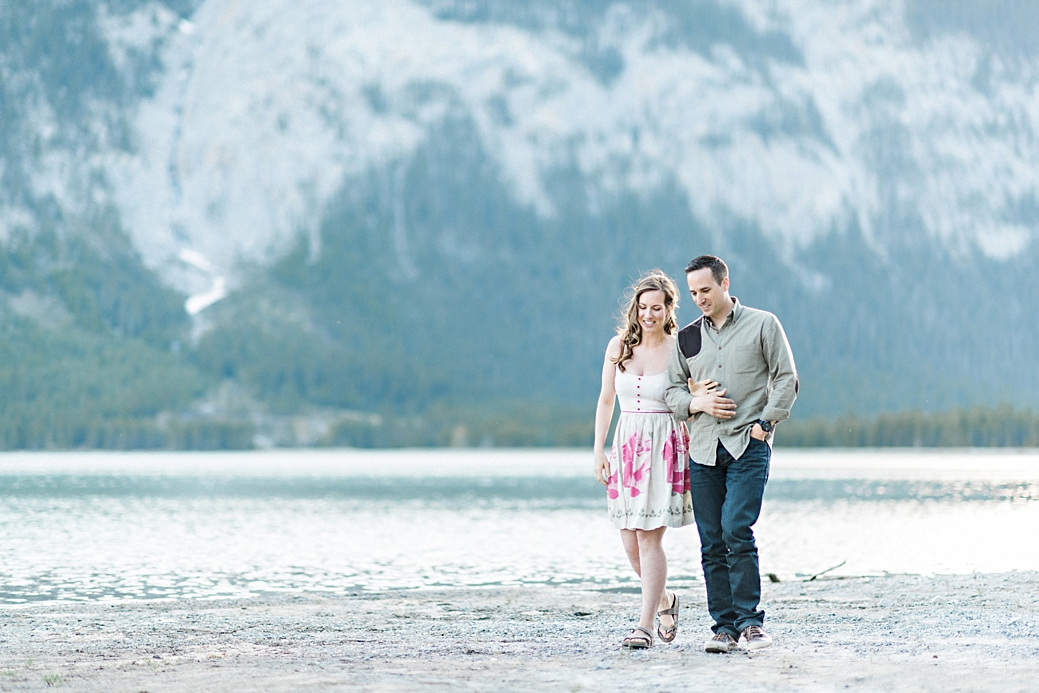 Rocky-Montain-Engagement-Shoot-Canmore-Alberta_30.jpg