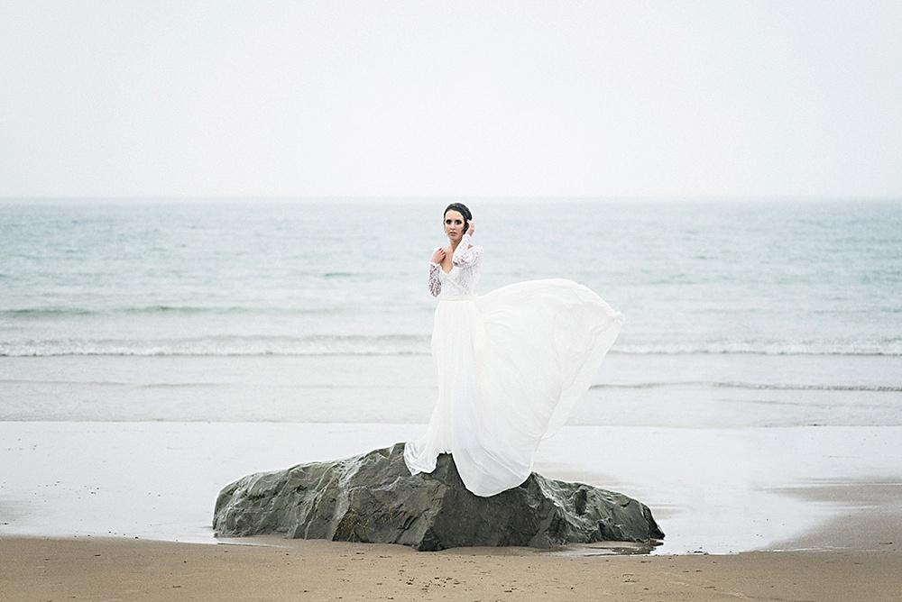 Windswept-Coastal-Bridal-Shoot-Beach-Inspiration015.jpg
