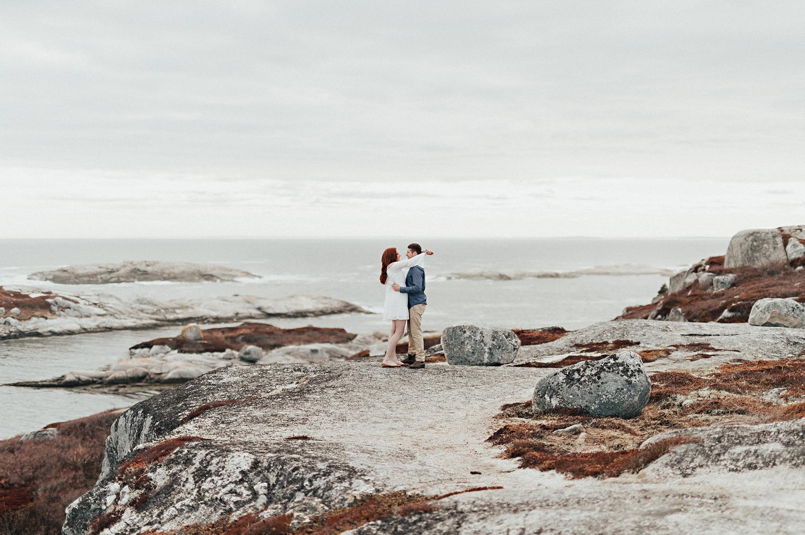 Halifax-Wedding-Photographer_Annie&Ryan_Ocean-Engagement-Shoot_11.jpg